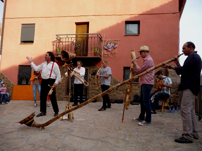 A band of Fuhorns featuring S. Valenti on the new Trompeta Grande, circa 2012